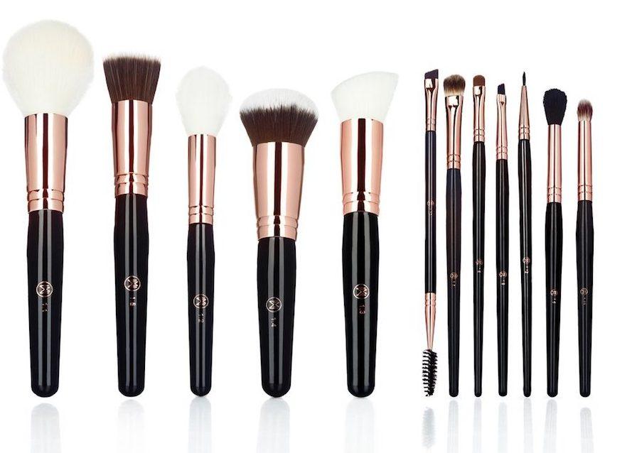 www.makeupweapons.com